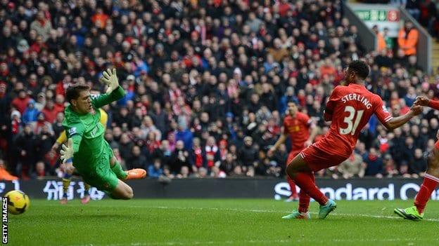 Premier League : Liverpool domine le leader Arsenal 5 buts à 1