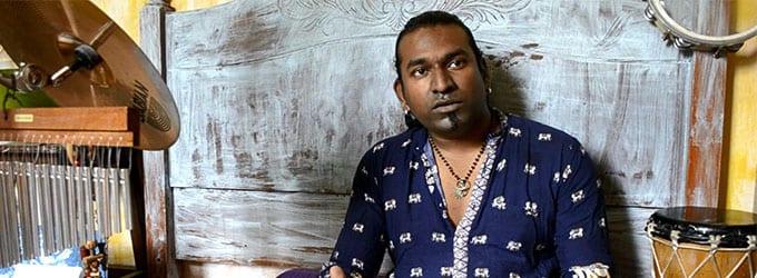 [Vidéo] Soilbeat: L'appel à la terre de Shakti Shane Ramchurn