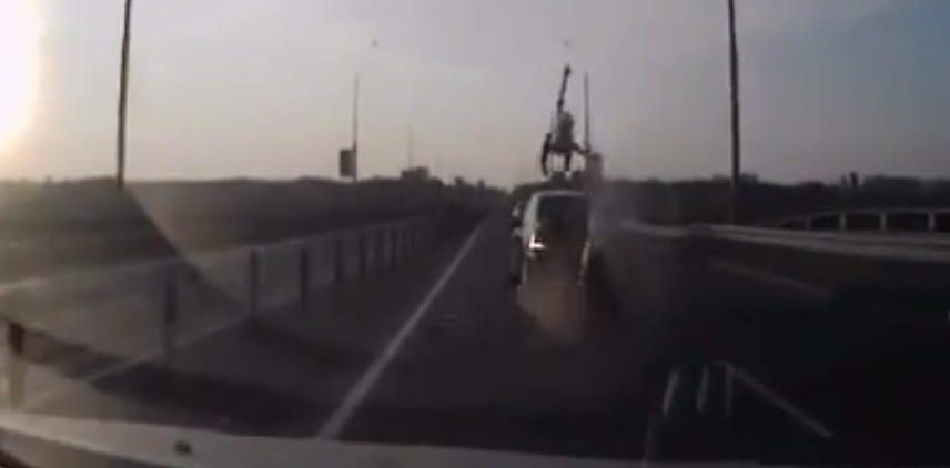[Vidéo] Un accident de moto de folie !