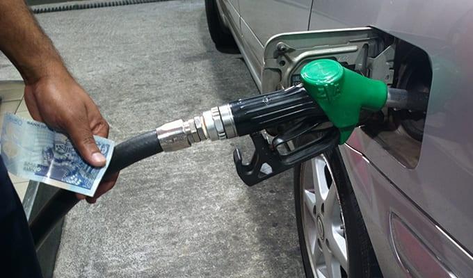 [Audio] Swaley Kasenally : Législatives obligent, le prix du carburant restera inchangé à Maurice