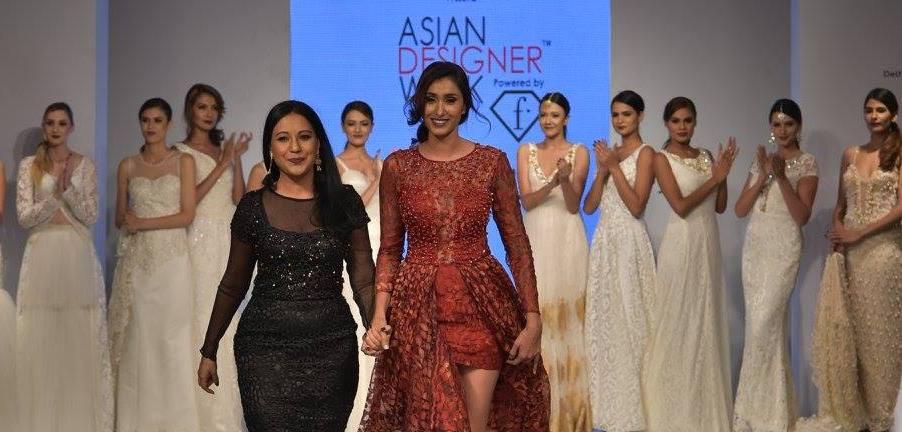 [Diaporama] Asian Designer Week: Les robes de mariées de Lida O'Reilly à l'honneur