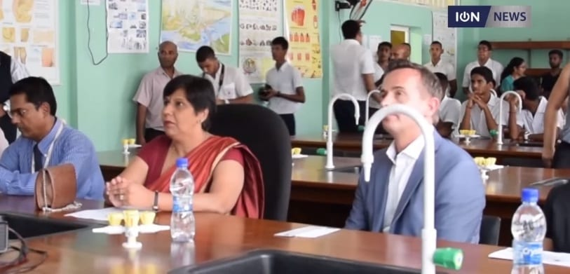 [Video] Sir A. R. Mohamed State School students learning to code and teaching fellow students