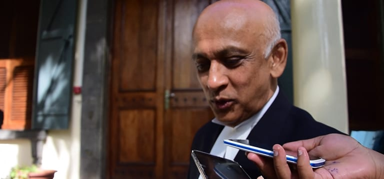 [Vidéo] Bhagwan affirme que Gulbul est l'avocat de SMS Pariaz, celui-ci dément