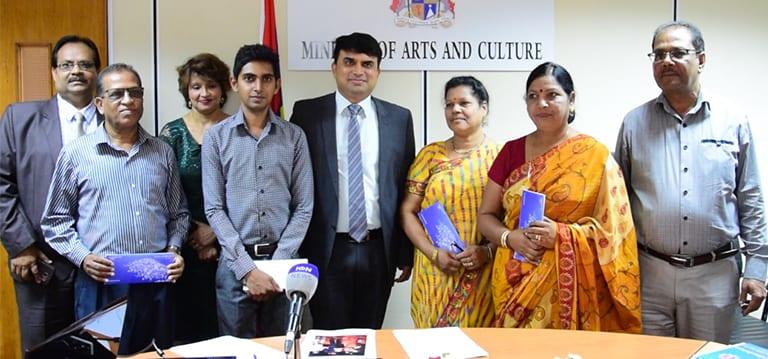 [Vidéo] 15 artistes mauriciens chanteront des «bhajan» à une rencontre internationale au Népal