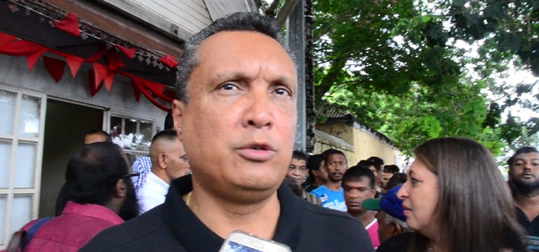 Projet de construction : Une déposition consignée contre Patrick Assirvaden pour non-paiement de Rs 250 000