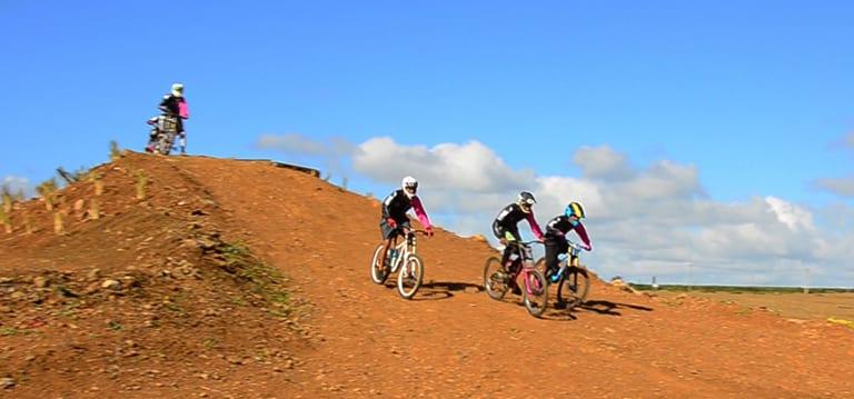 [Vidéo] Novices et férus de VTT peuvent s'entraîner au Moka Bike Park