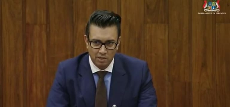 [Audio] Rs 15 m à Dayal: Mohamed dépose une «motion of no confidence» contre Gobin