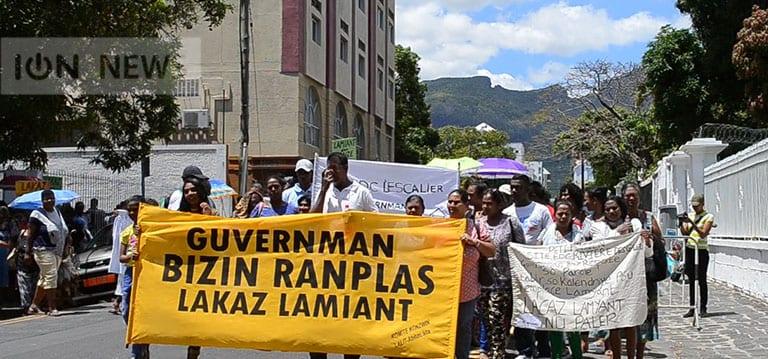 [Vidéo]Amiante :Leshabitants des maisonsEDCmanifestent denouveau