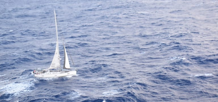 [Vidéo] Secourue par le Barracuda, la navigatrice britannique admise à l'hôpital Queen-Elizabeth