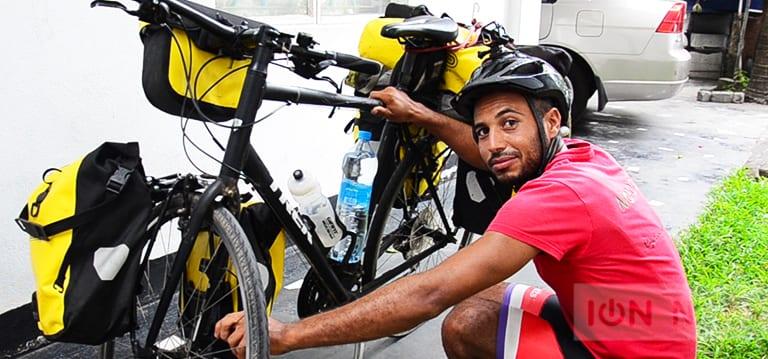 [Vidéo]YassineGhallam, le Marocain qui fait le tour du monde à vélo sans le sou