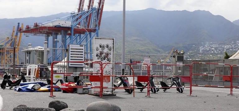 Blocages à La Réunion : l'île face à une pénurie, des conteneurs déroutés vers Maurice