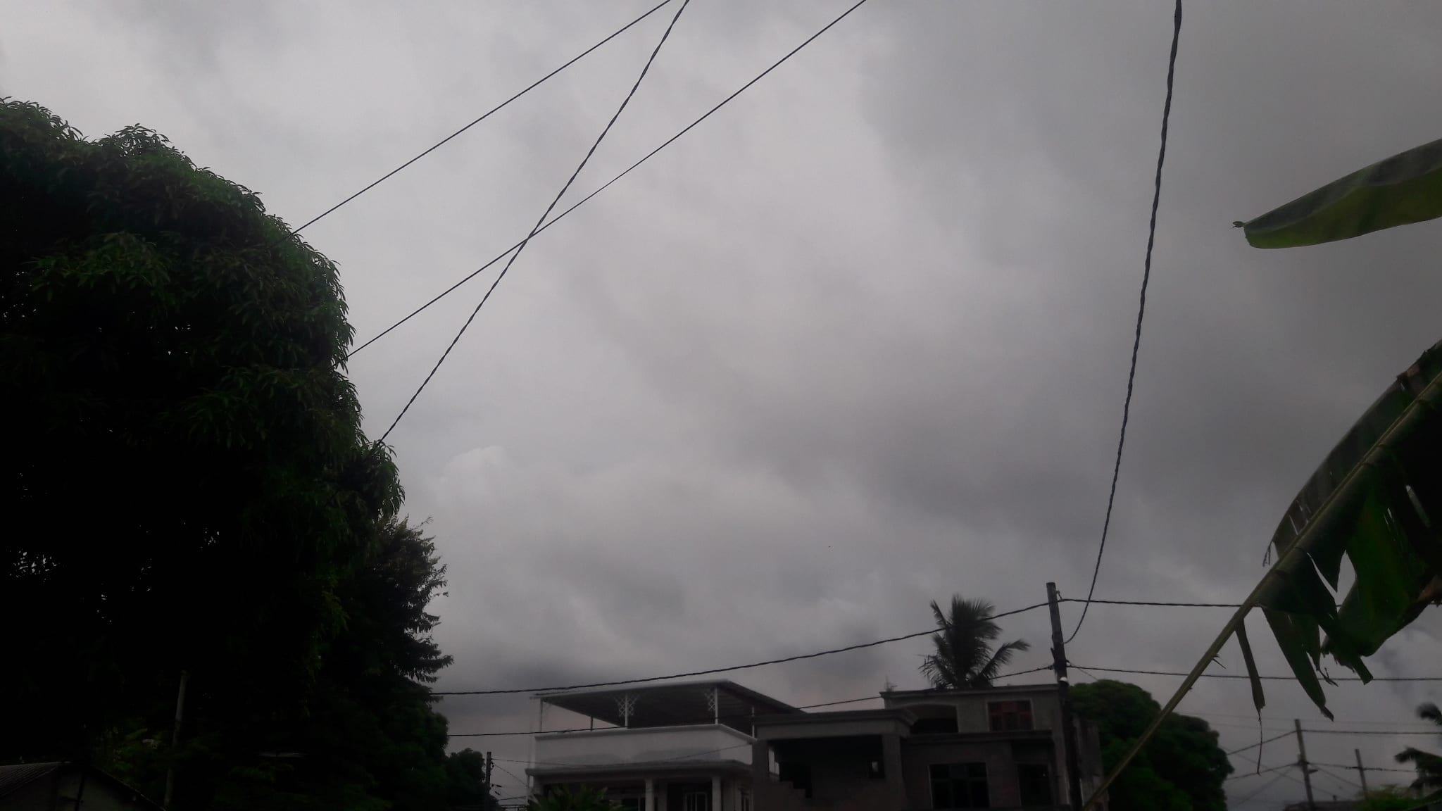 Météo : Averses modérées intermittentes avec des débordements nuageux