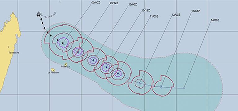 Gelena passera à 90km de Rodrigues demain, un homme porté disparu en mer à Maurice