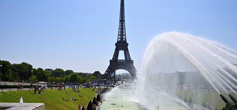 Après une deuxième vague de Covid-19 moins forte que prévu, Paris veut déjà se préparer à la troisième