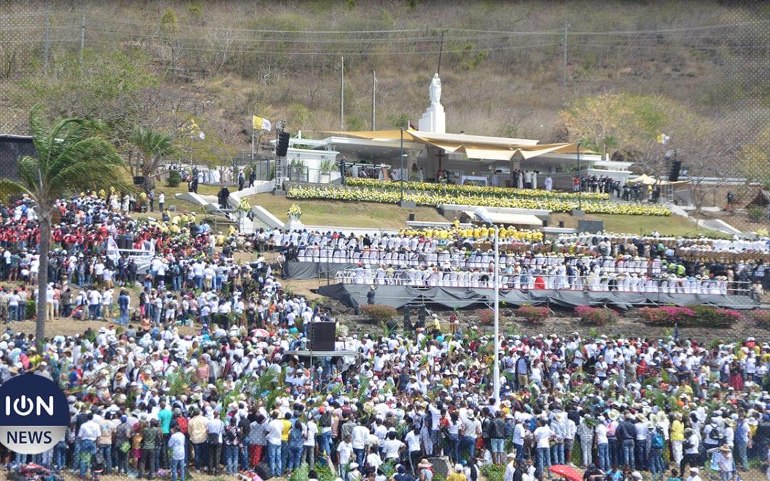 [Vidéo] Messe papale dans la ferveur avec les fidèles de Maurice et des îles de la région