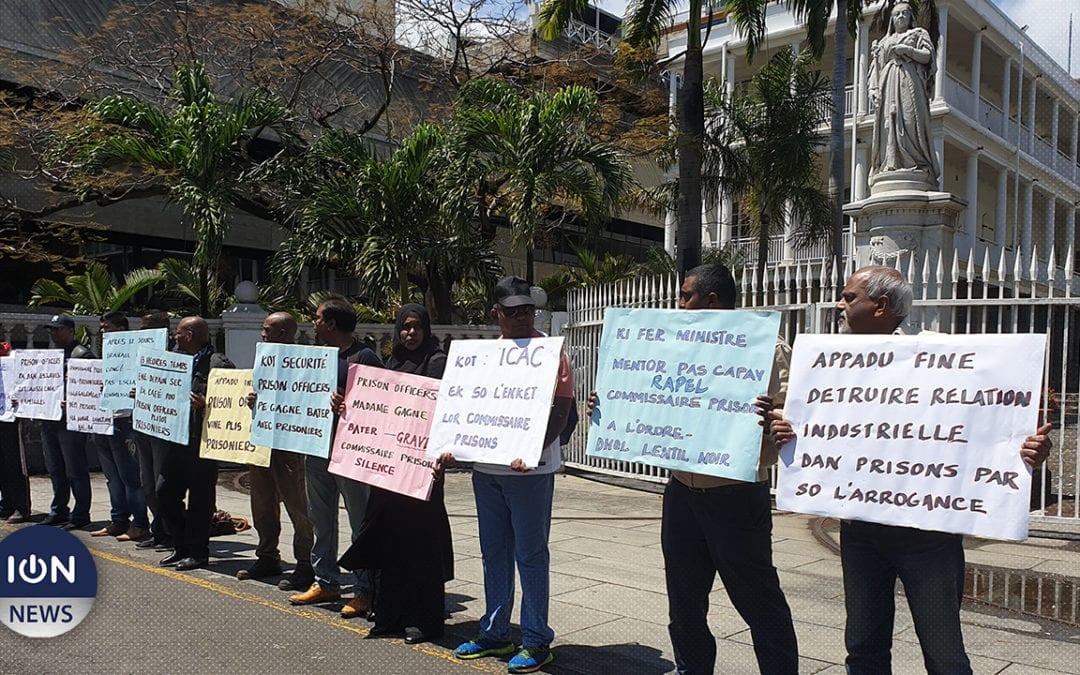[Vidéo] Les gardes-chiourmes manifestent contre les nouveaux règlements en prison