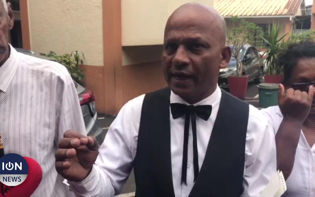 [Vidéo] Le leader du Party Malin s'inscrit comme candidat «population générale» à Quartier-Militaire/Moka