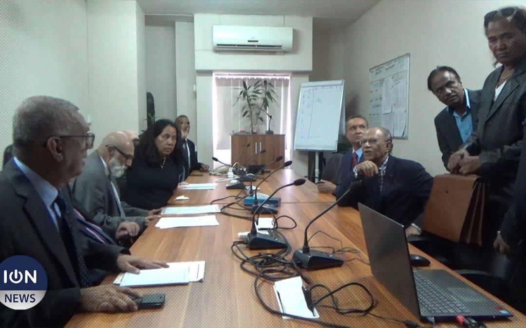 [Vidéo] Ramgoolam à la Commission électorale en amont du scrutin du 7 novembre