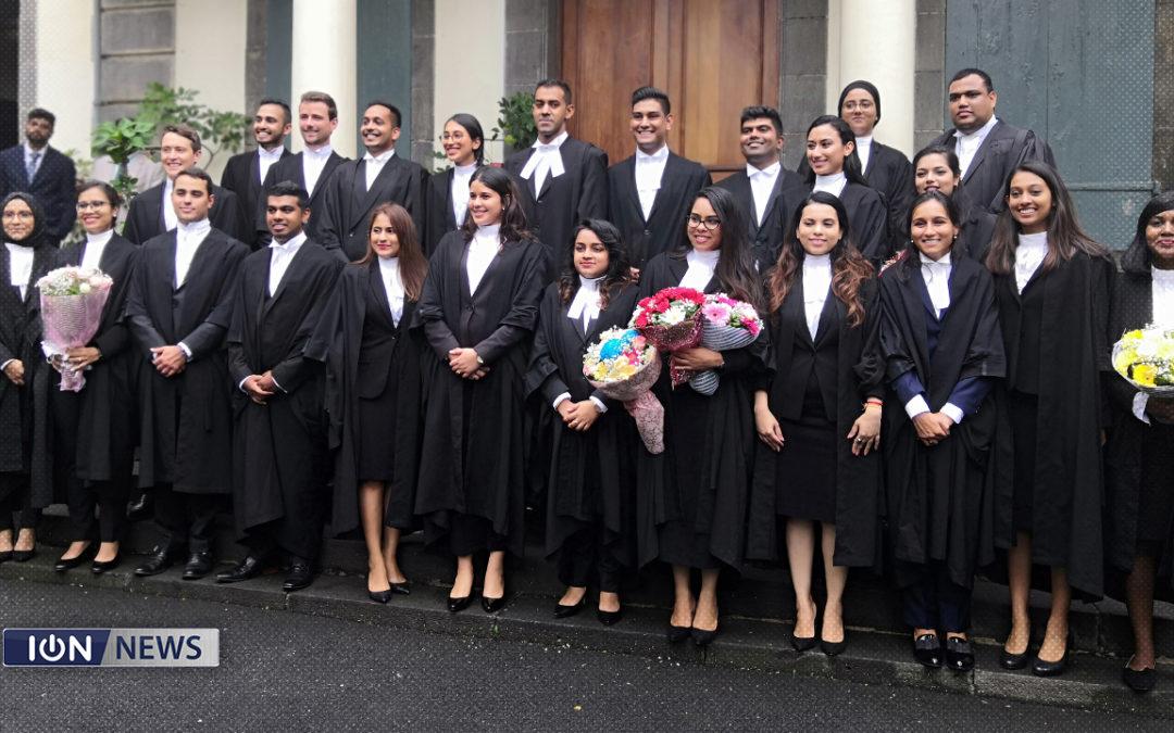 [Vidéo] 52 nouveaux avocats prêtent serment devant le chef juge