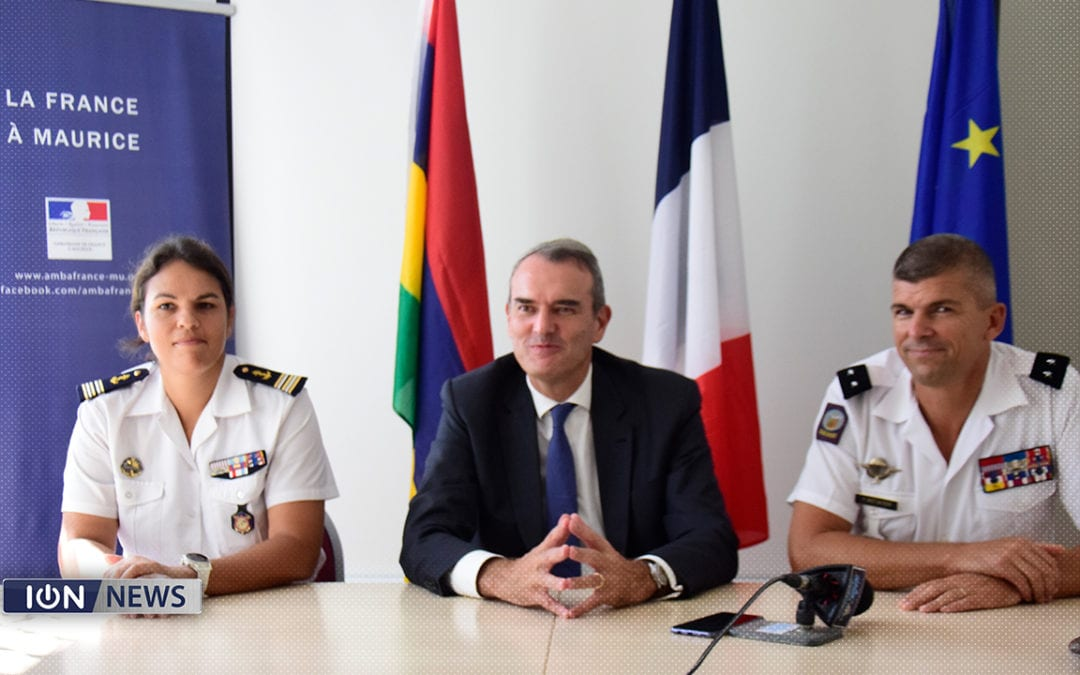 [Vidéo] Le chef des Forces armées dans la zone sud de l'océan Indien en tournée à Maurice
