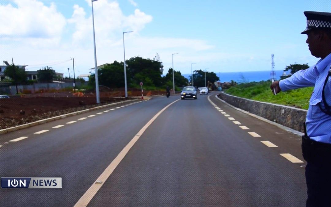 [Vidéo] La route Pointe-aux-Sables/Petite-Rivière fait peau neuve au coût de Rs 100 millions