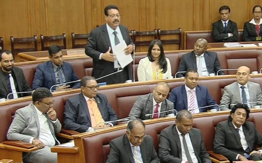 [Vidéo] Gilbert Bablee est «perplexe» que le kreol morisien soit «toujours interdit» au Parlement