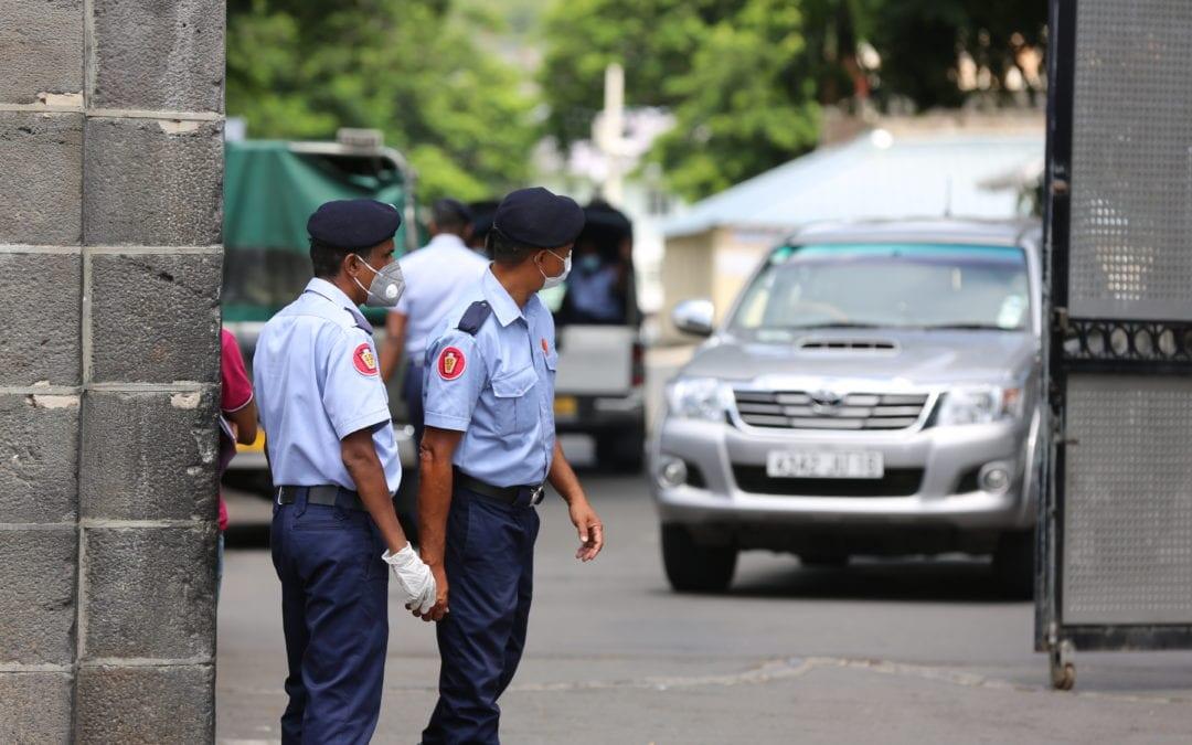 Juman s'en va porter plainte contre Jadunundun, son avocate interdite d'accès aux Casernes centrales
