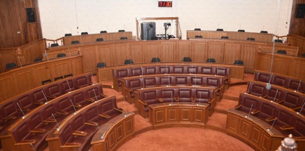 Confinement : La rentrée parlementaire sera-t-elle repoussée ?