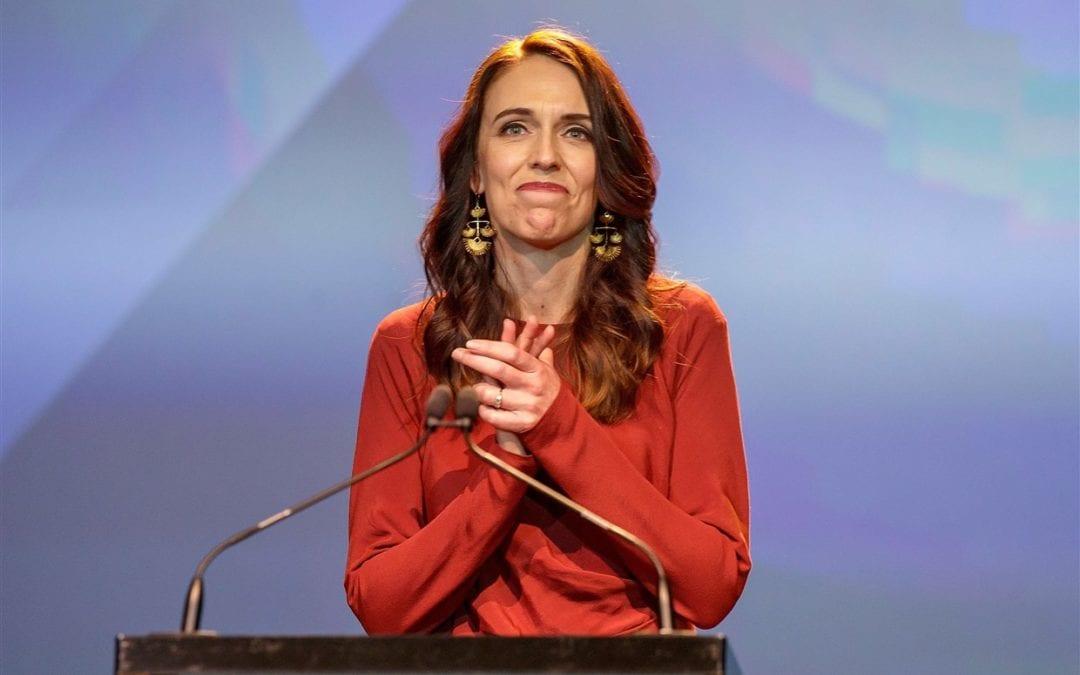 [Nouvelle-Zélande] Victoire écrasante de la première ministre Jacinda Ardern et des travaillistes lors des législatives