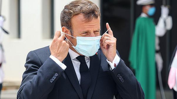 Covid-19 : face à l'échec de sa stratégie, Emmanuel Macron contraint à un reconfinement allégé