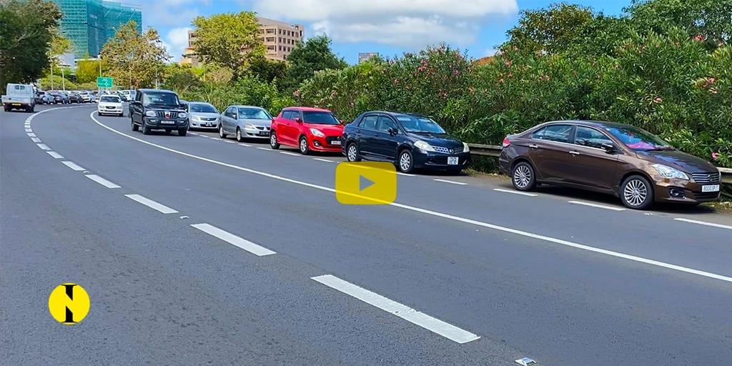 [Vidéo] A Ebène : Le phénomène de parking sauvage gagne l'autoroute