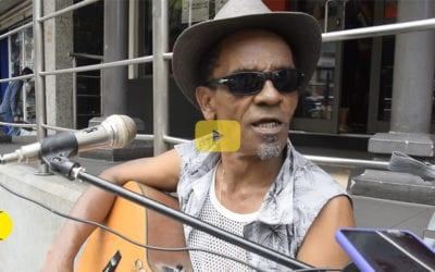 [Vidéo] Gérard Milade: Le musicien qui fait chanter les passants