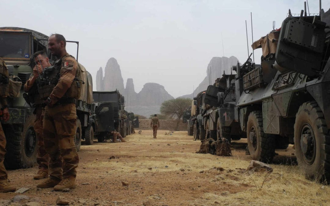 [Monde] Trois soldats français tués en opération au Mali