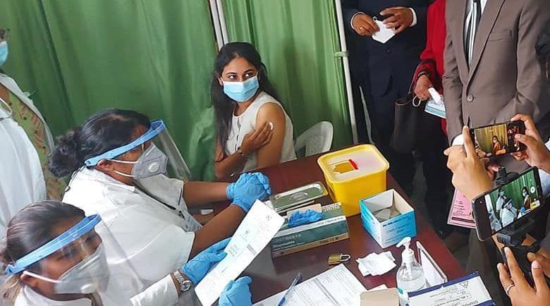 AstraZeneca Covishield : Le programme de vaccination se poursuit