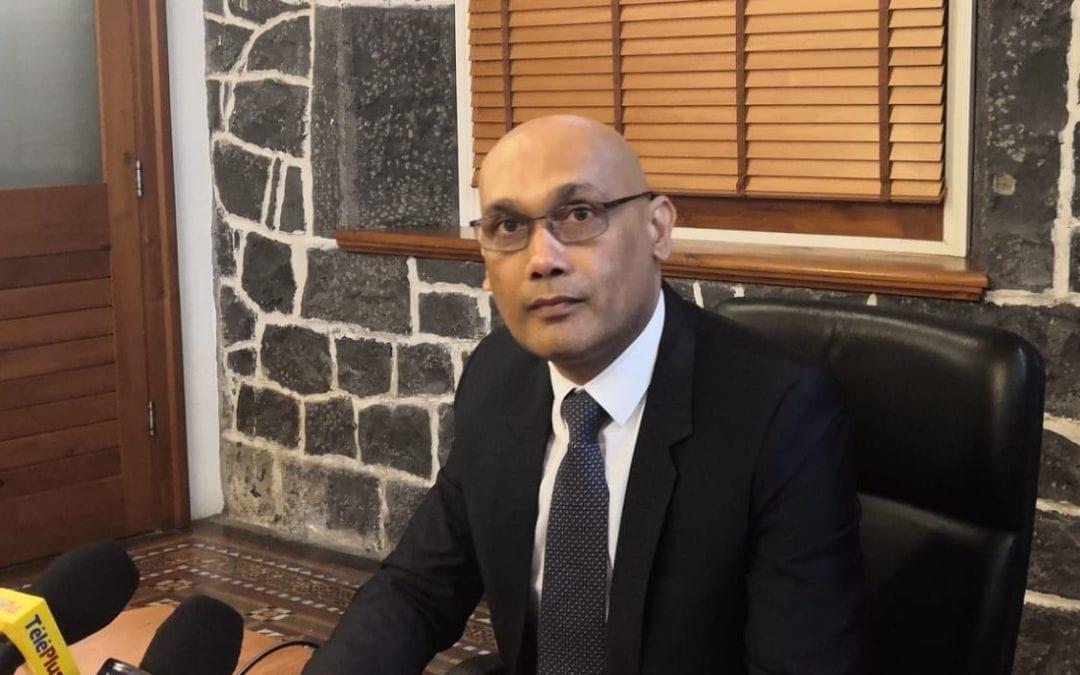 Patients dialysés : Cinq patients seulement dans un véhicule de quatorze places, soutient le ministre de la santé