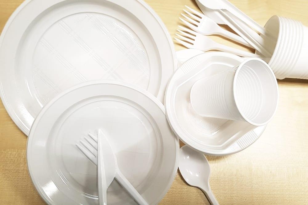 Certains produits en plastique interdits à partir d'aujourd'hui