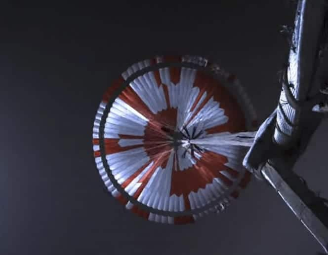 Dans le parachute du rover de la NASA sur Mars, un message caché, puis déchiffré