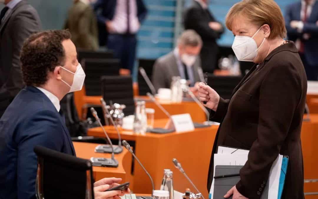Angela Merkel reçoit Moderna comme deuxième dose après une première dose d'AstraZeneca