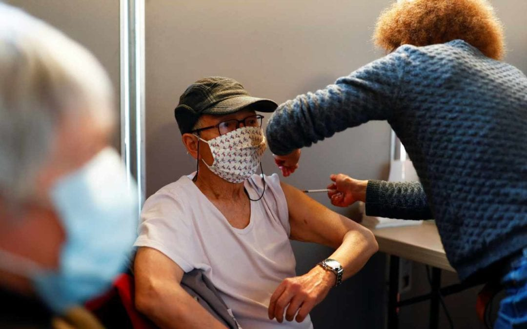 Covid-19:Des experts recommandent le rappel vaccinal seulement après 65 ans aux États-Unis
