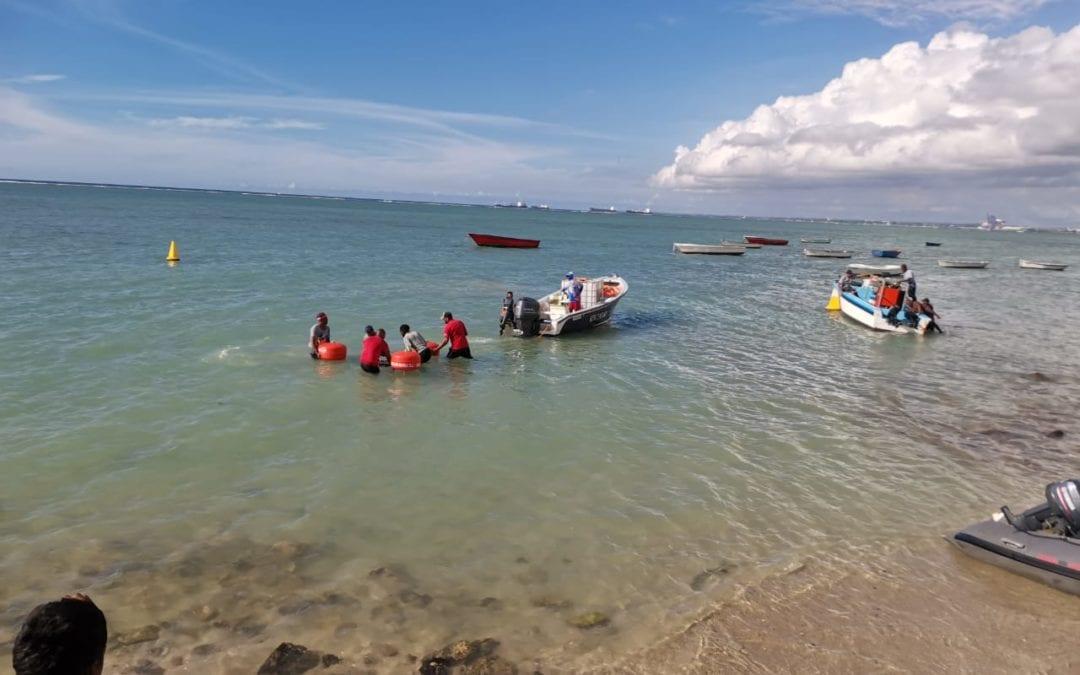 Bateau de pêche échoué à Pointe-aux-Sables : Le pompage du fioul continue malgré le confinement