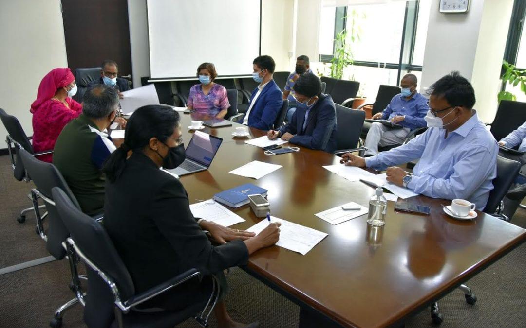 Reprise : Mise sur pied d'un comité pour passer en revue les accords commerciaux avec la Chine, Maurice et l'Afrique