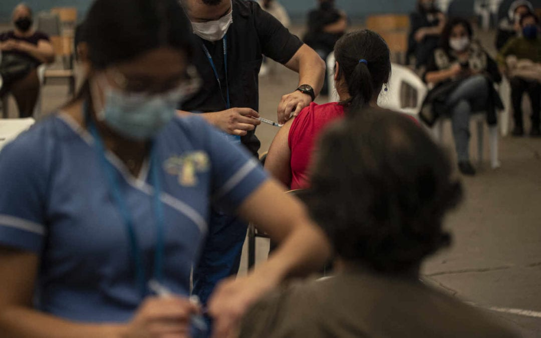 Covid-19 : malgré une vaccination massive, l'épidémie de Covid-19 est hors de contrôle au Chili