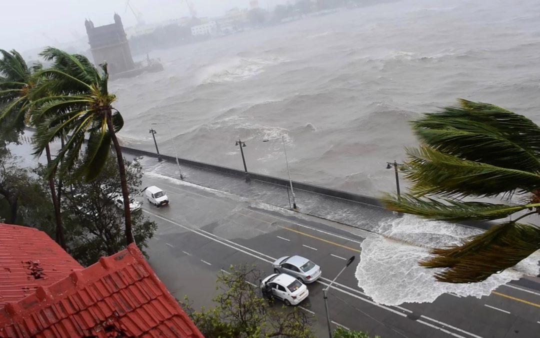 [Mumbai] Cyclone Tauktae : 26 corps récupérés, 49 personnes à bord de la barge toujours portées disparues