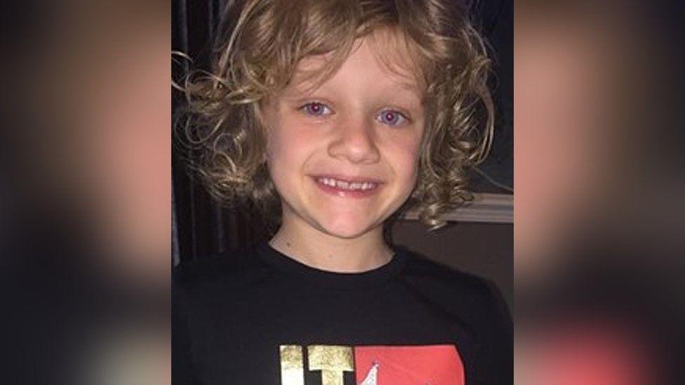Un enfant de neuf ans tué après avoir été frappé par la foudre
