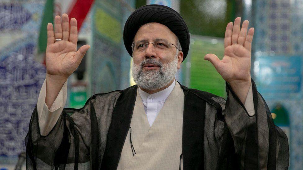 Élections en Iran: Raisi, partisan de la ligne dure, en passe de devenir président