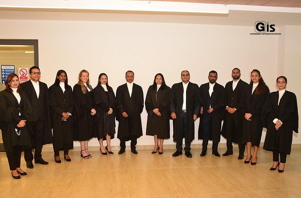 Dix avocats prêtent serment en tant que Temporary District Magistrates