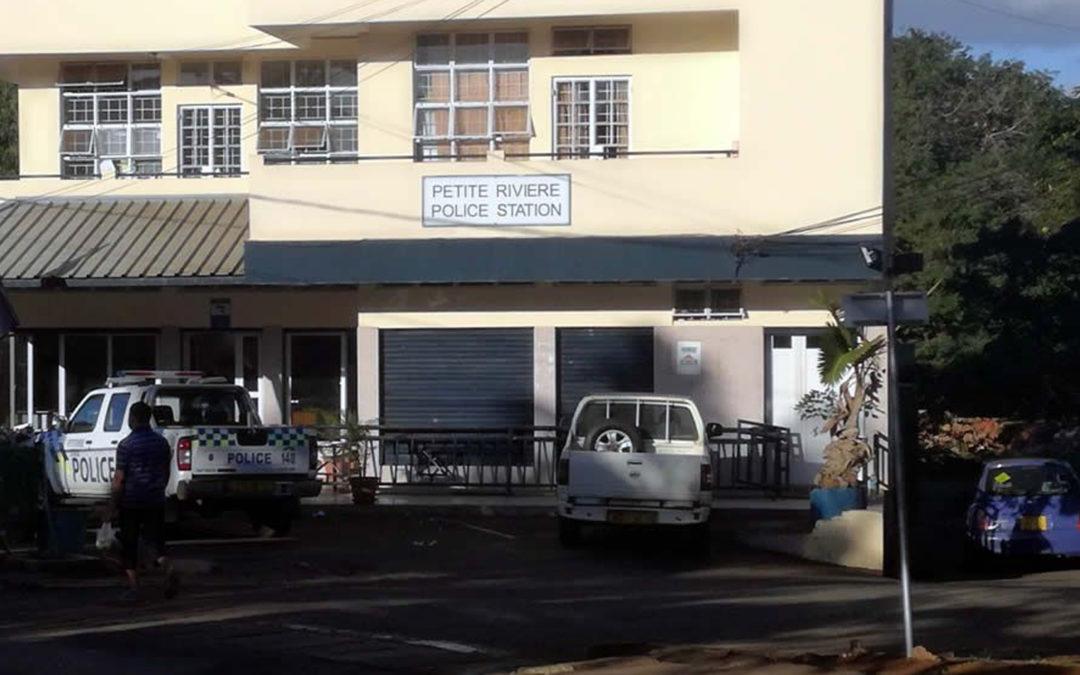Covid-19 : Le poste de police de Petite-Rivière fermé après la détection d'un cas positif