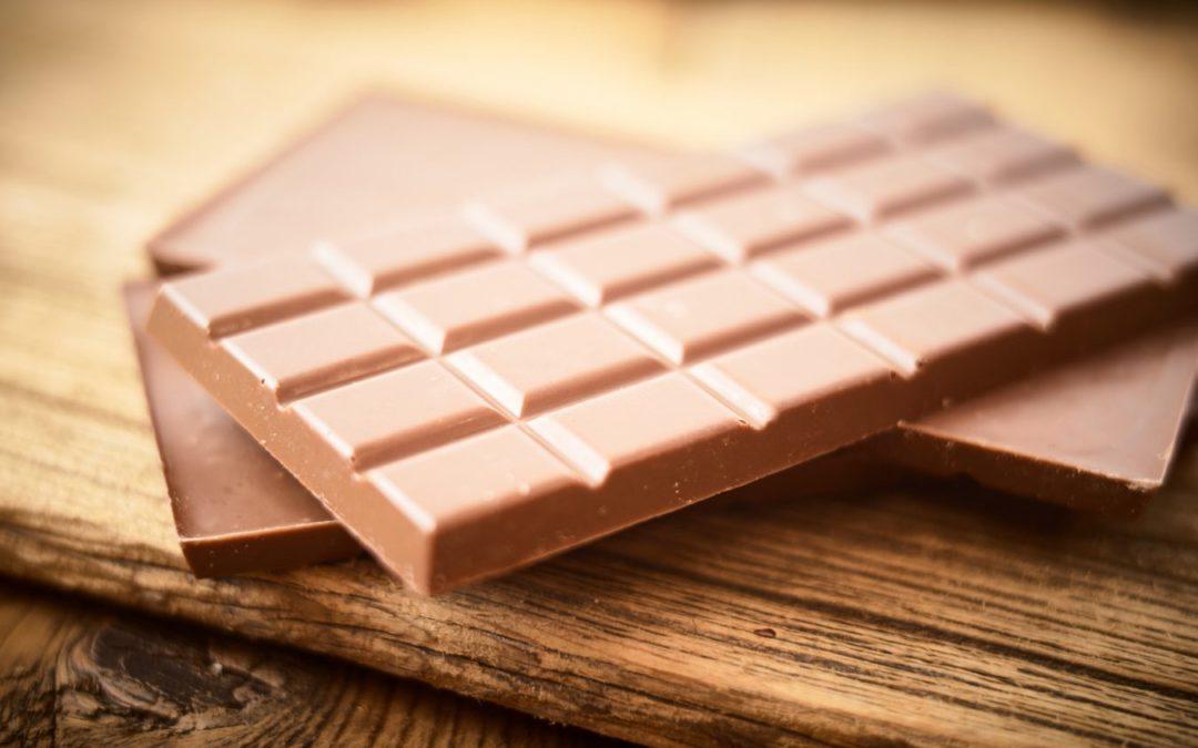 Il vole 15 tablettes de chocolat et se retrouve en cour
