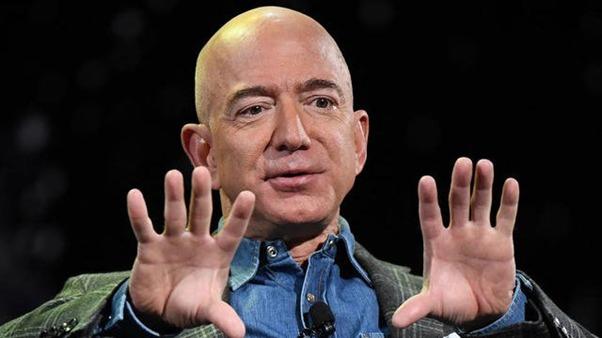Une pétition pour que Jeff Bezos reste dans l'espace