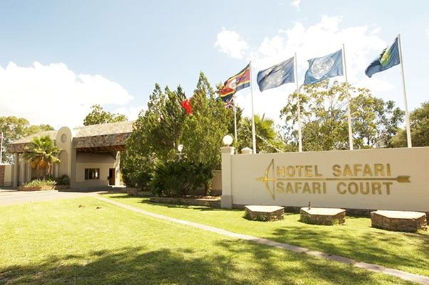 Des Mauriciens achètent le Safari Hotel
